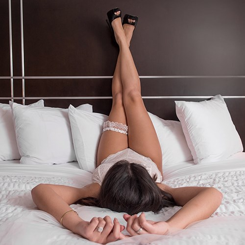 hotel bridal boudoir photo session